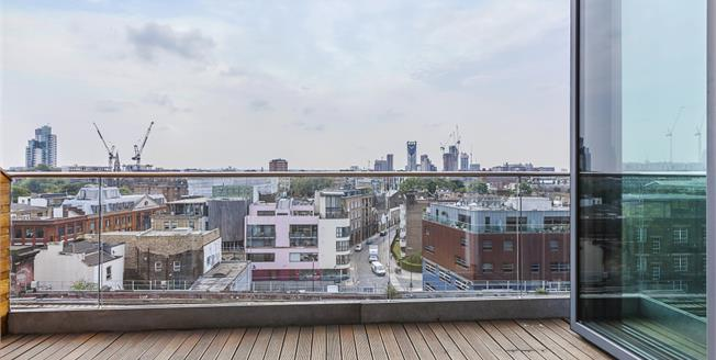 £4,116  per Calendar Month (Calculated), 3 Bedroom Penthouse To Rent in London, SE1