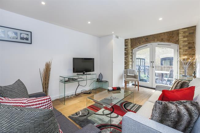 £2,990  per Calendar Month (Calculated), 1 Bedroom Apartment To Rent in London, SE1