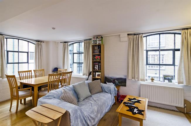 £2,383  per Calendar Month (Calculated), 2 Bedroom Apartment To Rent in London, SE1