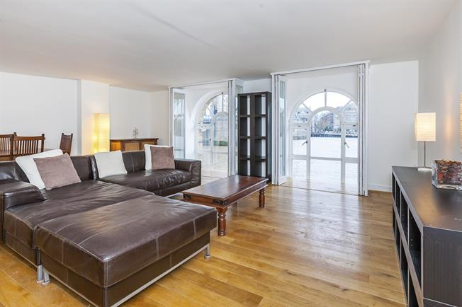 £5,525  per Calendar Month (Calculated), 2 Bedroom Duplex Apartment To Rent in London, SE1
