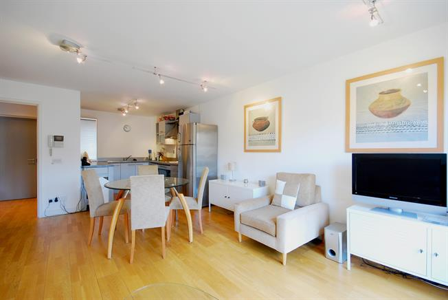 £1,993  per Calendar Month (Calculated), 1 Bedroom Apartment To Rent in London, SE1