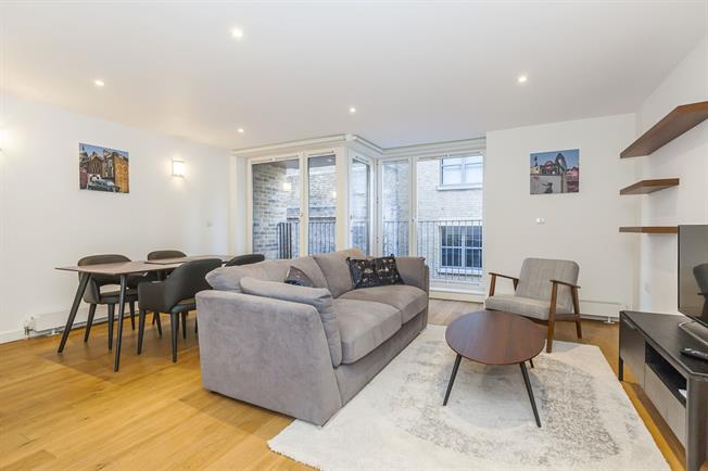 £2,491  per Calendar Month (Calculated), 1 Bedroom Apartment To Rent in London, SE1