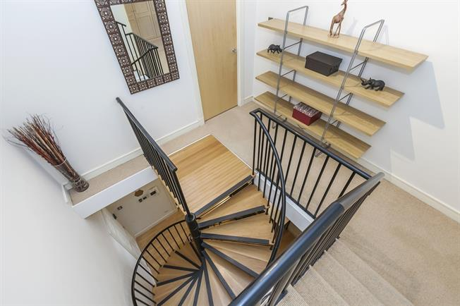 £3,683  per Calendar Month (Calculated), 2 Bedroom Flat To Rent in London, SE1