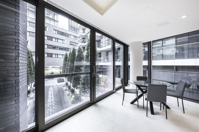 £3,683  per Calendar Month (Calculated), 1 Bedroom Apartment To Rent in London, SE1