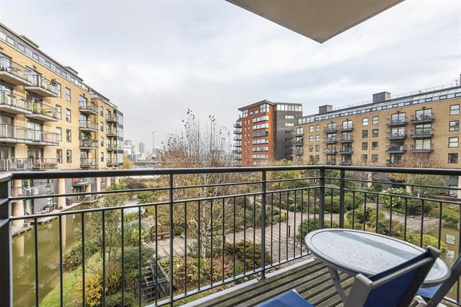 £2,491  per Calendar Month (Calculated), 2 Bedroom Flat To Rent in London, SE1