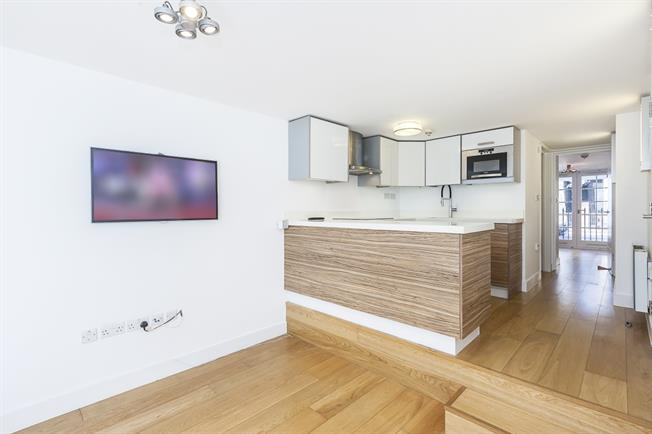 £1,993  per Calendar Month (Calculated), 1 Bedroom Duplex Apartment To Rent in London, SE1