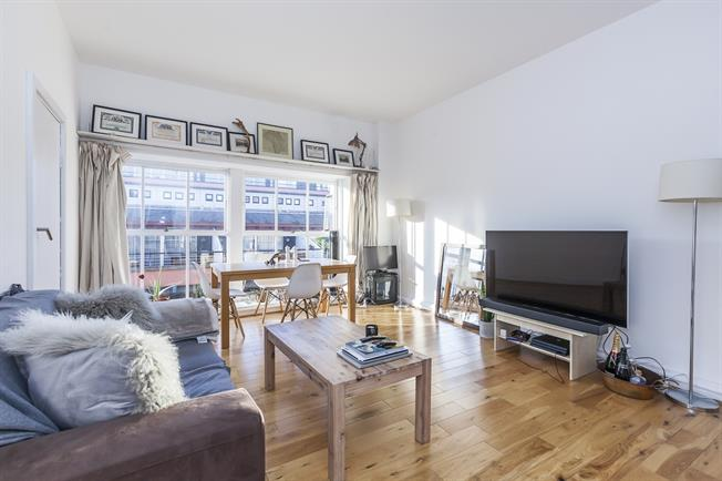 £1,733  per Calendar Month (Calculated), 1 Bedroom Apartment To Rent in London, SE1