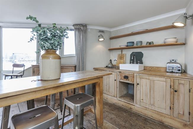 £2,600  per Calendar Month (Calculated), 2 Bedroom Duplex Apartment To Rent in London, SE1