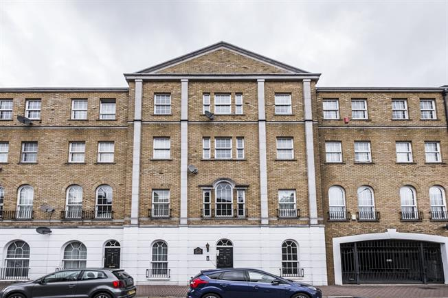 £1,500 per Calendar Month, 2 Bedroom Apartment To Rent in London, SE16