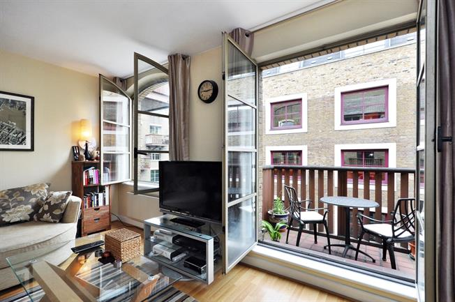 £1,898  per Calendar Month (Calculated), 1 Bedroom Apartment To Rent in London, SE1