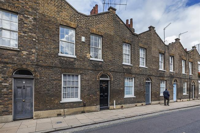 £2,998  per Calendar Month (Calculated), 3 Bedroom Terraced House To Rent in London, SE1