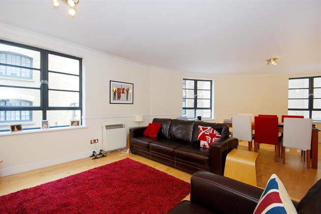 £2,383  per Calendar Month (Calculated), 2 Bedroom Flat To Rent in London, SE1