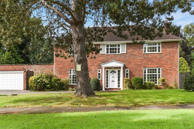 £2,650 per Calendar Month, 4 Bedroom Detached House To Rent in Tunbridge Wells, Kent, TN3