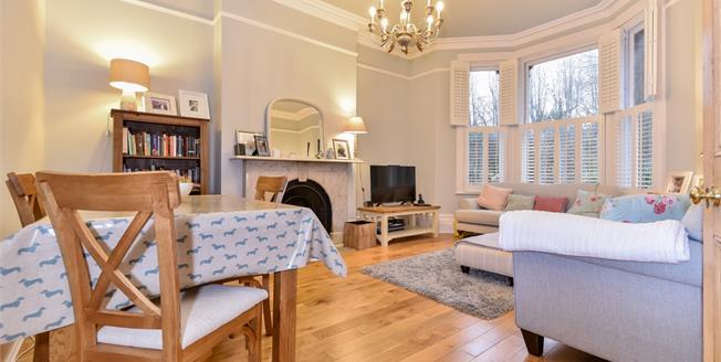 £1,250 per Calendar Month, 2 Bedroom Apartment To Rent in Tunbridge Wells, TN4