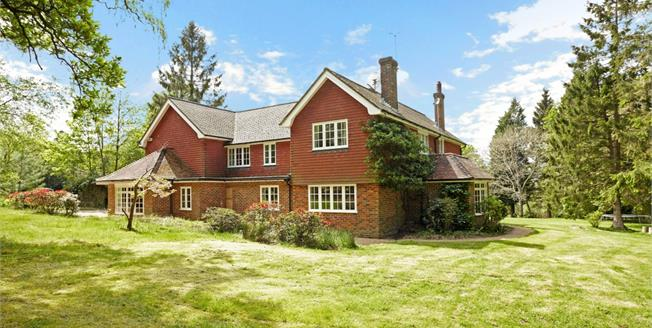 £3,250 per Calendar Month, 7 Bedroom Detached House To Rent in Crowborough, TN6