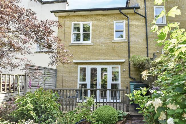 £1,095 per Calendar Month, 2 Bedroom Terraced House To Rent in Tunbridge Wells, TN2