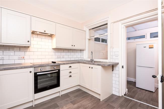 £1,400 per Calendar Month, 3 Bedroom Semi Detached House To Rent in Tunbridge Wells, TN1