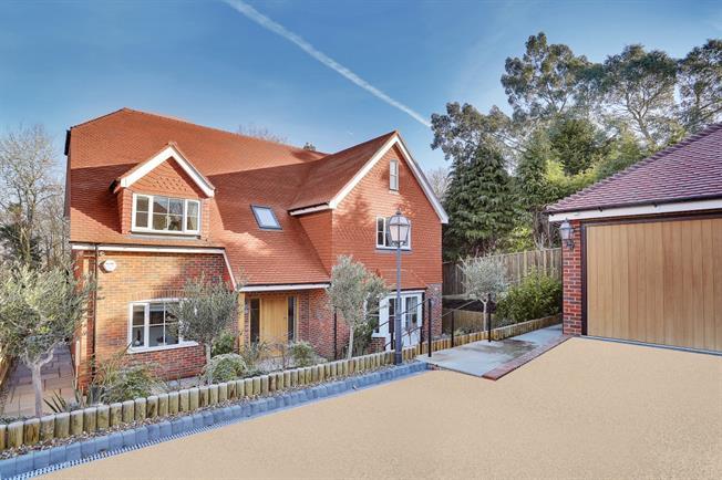 £3,850 per Calendar Month, 5 Bedroom Detached House To Rent in Tunbridge Wells, TN3