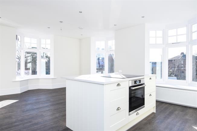 £1,395 per Calendar Month, 2 Bedroom Apartment To Rent in Tonbridge, TN10