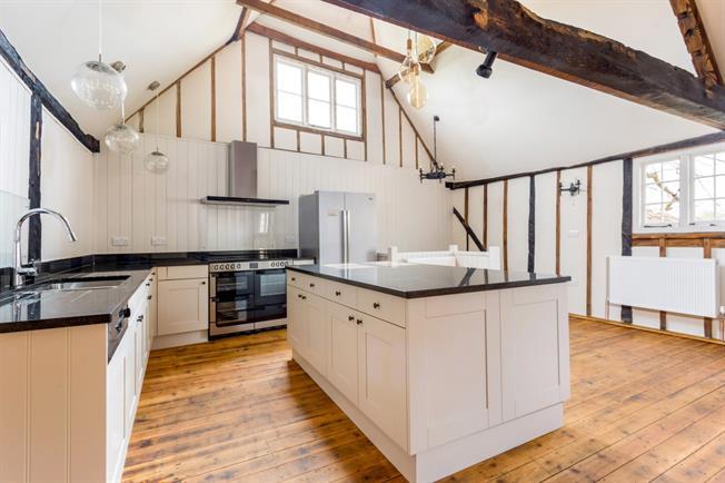 £1,995 per Calendar Month, 3 Bedroom House To Rent in Tonbridge, TN12