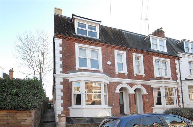 £2,400 per Calendar Month, 4 Bedroom Town House To Rent in Tunbridge Wells, TN1