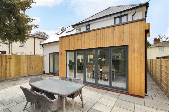£2,350 per Calendar Month, 3 Bedroom House To Rent in Tunbridge Wells, TN3