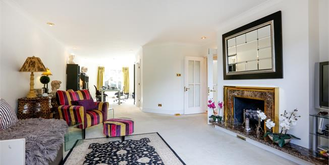 £2,900 per Calendar Month, 3 Bedroom Apartment To Rent in Kingston upon Thames, KT2