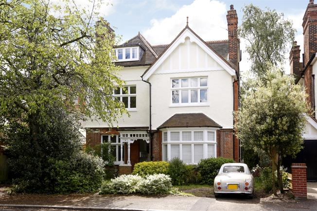 £3,033  per Calendar Month (Calculated), 1 Bedroom Flat To Rent in London, SW19