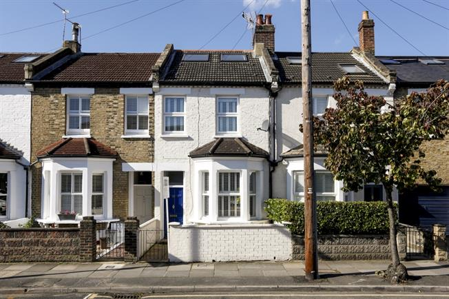 £2,650 per Calendar Month, 4 Bedroom Terraced House To Rent in London, SW19