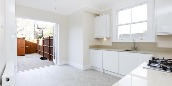 £1,600 per Calendar Month, 2 Bedroom Flat To Rent in London, SW19