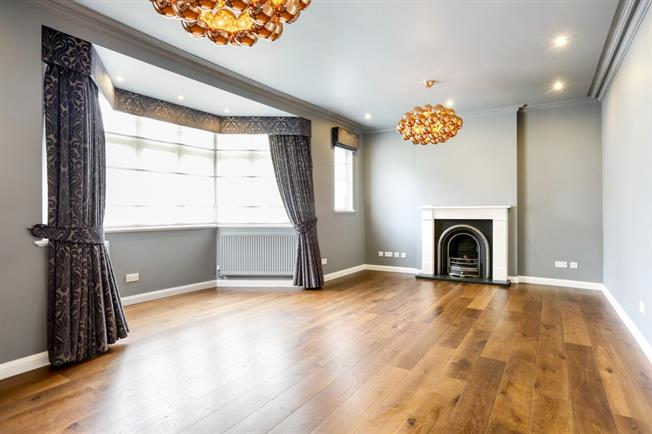 £6,500 per Calendar Month, 5 Bedroom Detached House To Rent in London, SW20