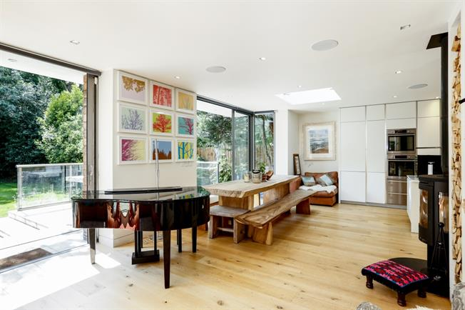 £7,500 per Calendar Month, 5 Bedroom Detached House To Rent in London, SW19