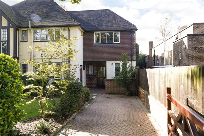 £2,383  per Calendar Month (Calculated), 2 Bedroom Cottage House To Rent in London, SW20