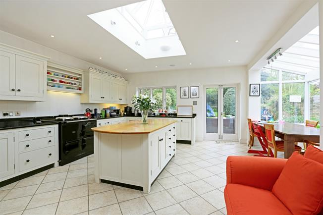 £6,000 per Calendar Month, 6 Bedroom Detached House To Rent in Wimbledon, SW19