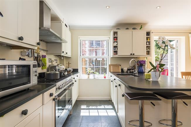 £4,116  per Calendar Month (Calculated), 4 Bedroom Town House To Rent in London, SW19
