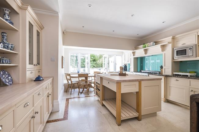 £8,016  per Calendar Month (Calculated), 5 Bedroom Detached House To Rent in London, SW19