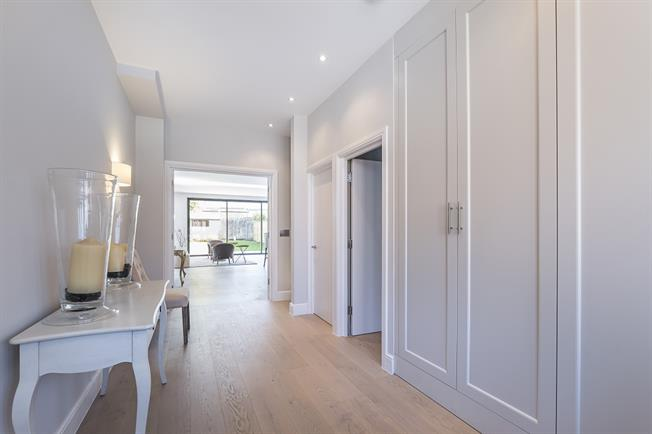 £5,000 per Calendar Month, 5 Bedroom Semi Detached House To Rent in London, SW20