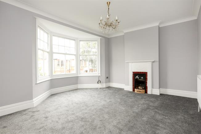 £1,675 per Calendar Month, 3 Bedroom Maisonette To Rent in London, SW20