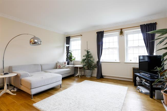 £1,700 per Calendar Month, 2 Bedroom Apartment To Rent in London, SW19
