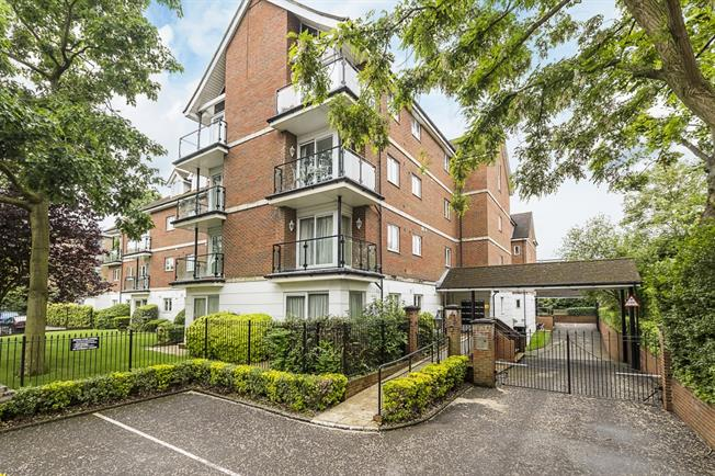 £2,100 per Calendar Month, 2 Bedroom Apartment To Rent in London, SW20