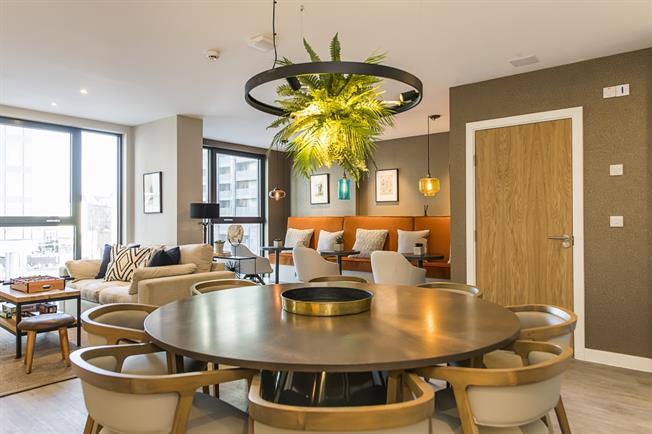 £1,660 per Calendar Month, 2 Bedroom Apartment To Rent in Sutton, SM1