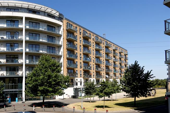 £1,300 per Calendar Month, 1 Bedroom Apartment To Rent in London, SW19