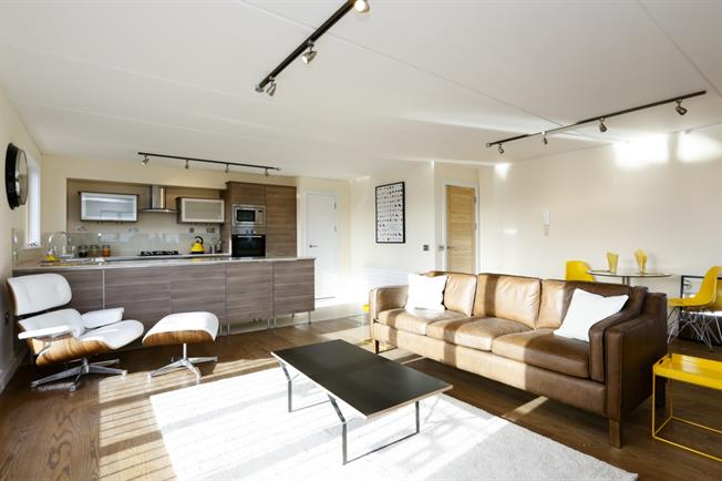 £1,800 per Calendar Month, 2 Bedroom Apartment To Rent in London, SW19