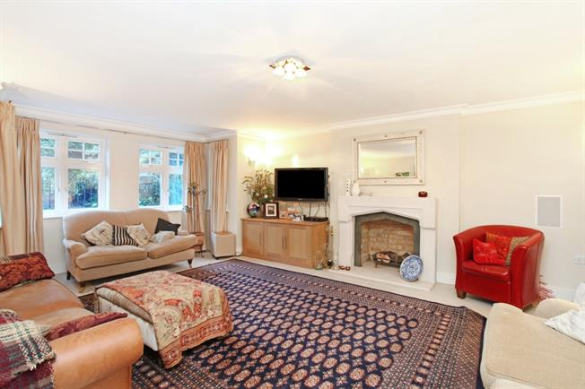 £6,000 per Calendar Month, 4 Bedroom Detached House To Rent in London, SW20
