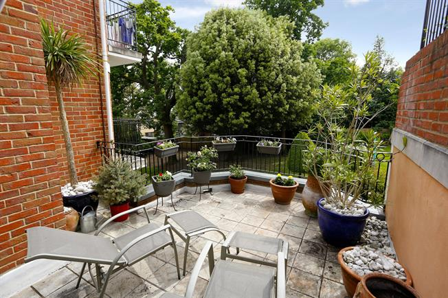 £2,450 per Calendar Month, 2 Bedroom Apartment To Rent in London, SW19