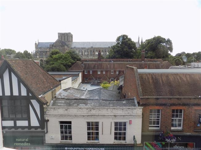 £895 per Calendar Month, 2 Bedroom Flat To Rent in Winchester, SO23