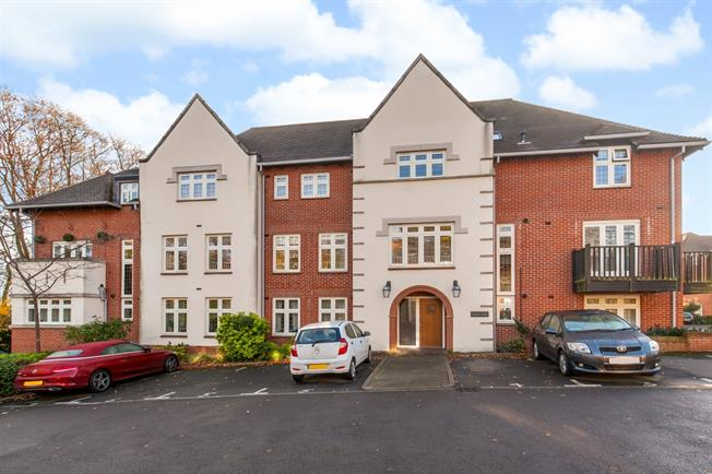 £900 per Calendar Month, 1 Bedroom Apartment To Rent in Winchester, SO22