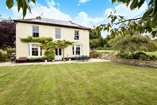 £3,300 per Calendar Month, 5 Bedroom Detached House To Rent in Alresford, SO24