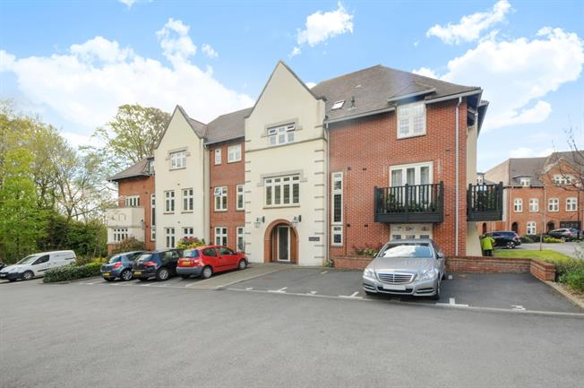 £1,300  per Calendar Month (Calculated), 1 Bedroom Apartment To Rent in Winchester, SO22