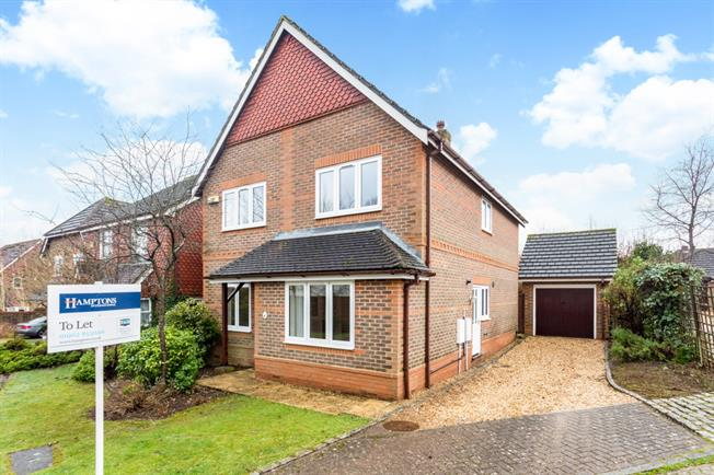 £1,750 per Calendar Month, 4 Bedroom Detached House To Rent in Winchester, SO22